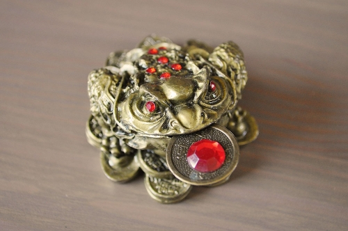 money-toad-red-coin-1